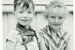 Søster Annette og bror Jack