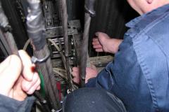 Sidder på en færøsk 60 meter høj elevator