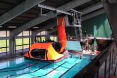 Træning i svømmesal