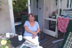 Annette på terrasse Frbr.,22.07.2010
