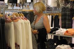 Marie- Louise  - Butikker, altid butikker, og ellers er det butikker