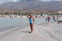 Marie- Louise på strand på Creta, 04.09.2002