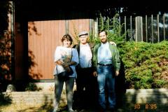 Jacks far Einar Hansen med børn Anette og Jack på Bogø, 1995